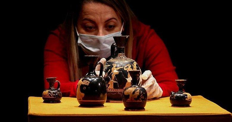 2 bin 600 yıllık parfüm şişeleri ilk kez sergileniyor! Menemen ve Seferihisar'dan çıkarıldı