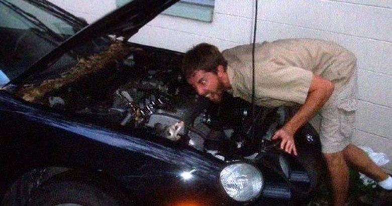Arabanın kaputunu açtı hayatının şokunu yaşadı!