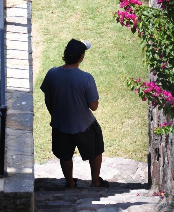 Kaan Tangöze'nin Seçkin Piriler'in evi önündeki zor anları...