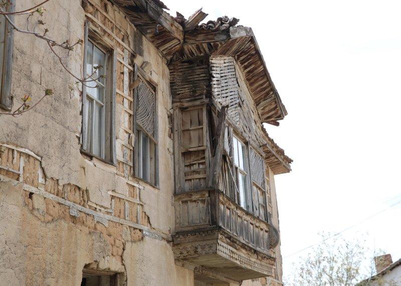 Denizli'de Yunan ordusunun karargah olarak kullandığı tarihi konak yıkılmak üzere