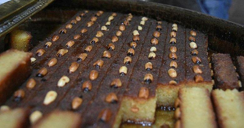 İzmir'in geleneksel lezzeti şambali tatlısına bayram ilgisi