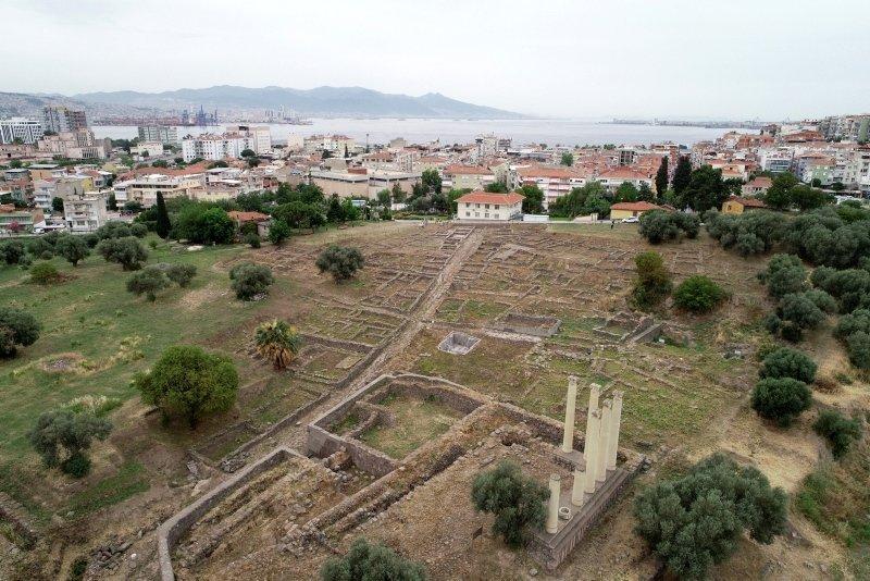 Santorini'nin küllerinden İzmir'in geçmişi çıkacak