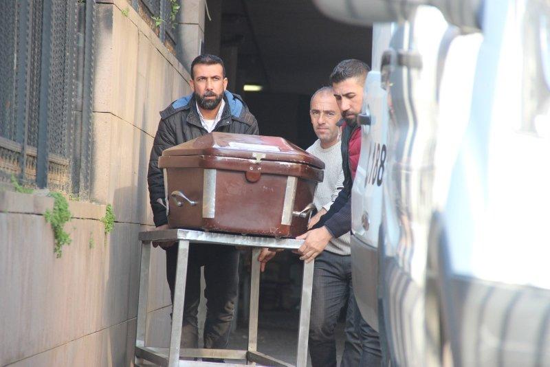 İzmir'de en acı bekleyiş... Çeşme'deki faciada ölenlerin cenazeleri teslim edilmeye başlandı