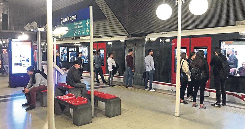 İzmir Metrosu'nda vagon arızası