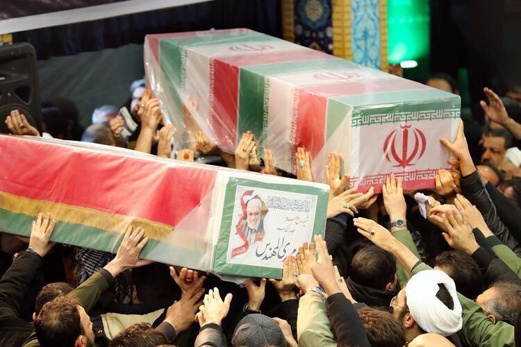 Kasım Süleymani'nin cenazesinde izdiham! Ölü ve yaralılar var