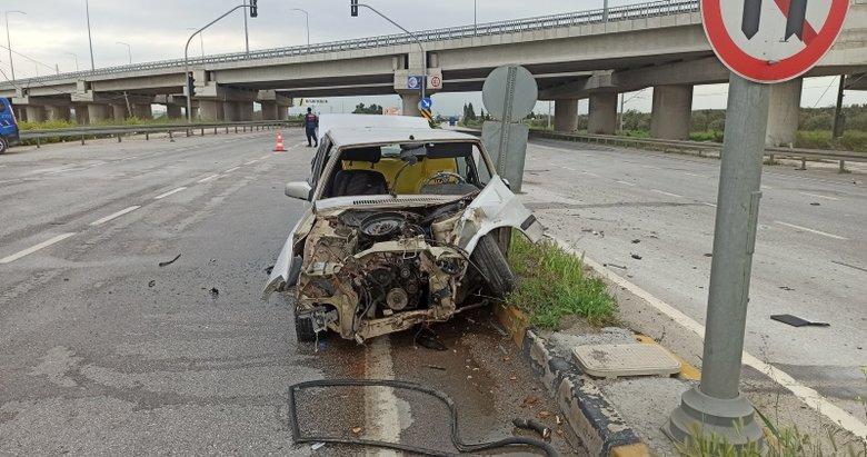 Manisa'da 2 otomobilin çarpışması sonucu 2'si ağır 4 kişi yaralandı