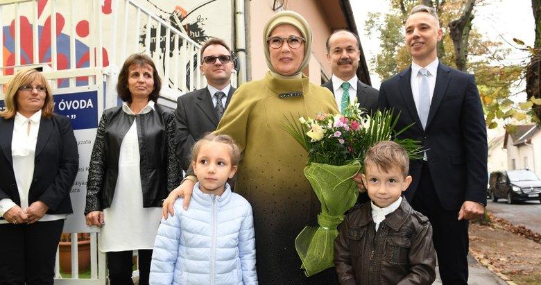Emine Erdoğan Macaristan Kispest Gökkuşağı Anaokulu açılışına katıldı