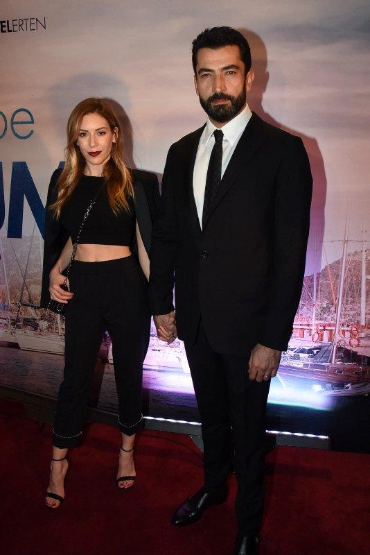 Ünlü oyuncu Sinem Kobal'ın paylaşımı sosyal medyayı salladı