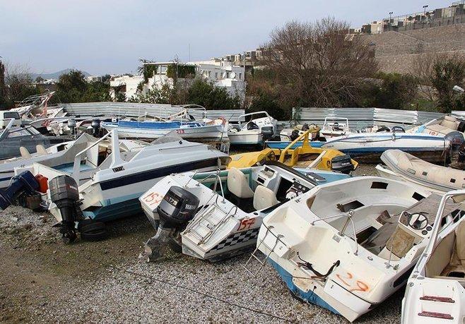 Milyonluk tekneler çürümeye terk edildi