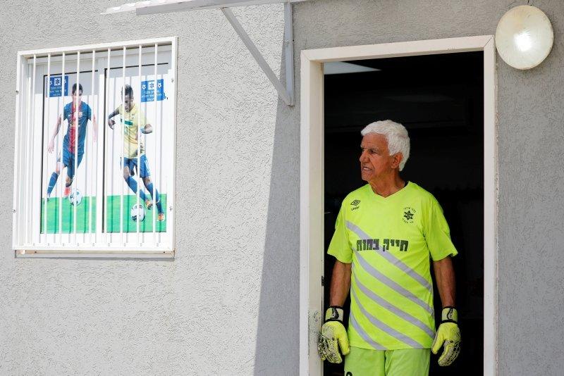 73 yaşındaki Isaak Hayik maça çıktı, Guinness Rekorlar Kitabı'na girdi