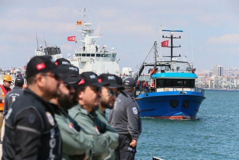 Birlik Operasyonunun yapıldığı balıkçı teknesi İzmir'de