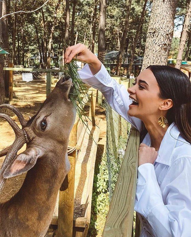 Bir Zamanlar Çukurova'nın yıldızı Hande Soral'dan evlilik açıklaması!