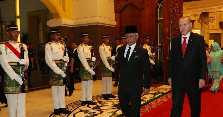 Başkan Erdoğan, Malezya Kralı ile görüştü