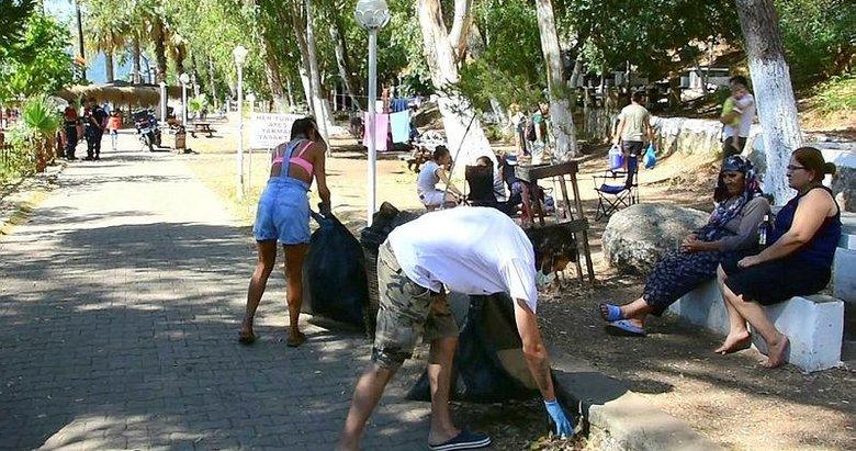 Akyaka'da turistlerle çevre temizliği! Bayram tatilinde nüfusu 30 katına çıkmıştı