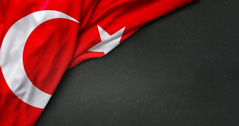 Yunanistan, sınırı geçen 2 Türk askerini iade etti