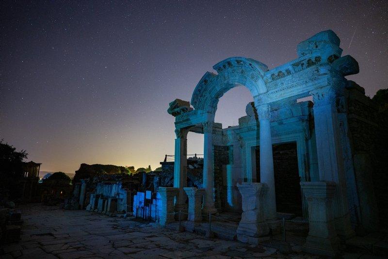 Efes Antik Kenti'nde yıldızların görsel şöleni