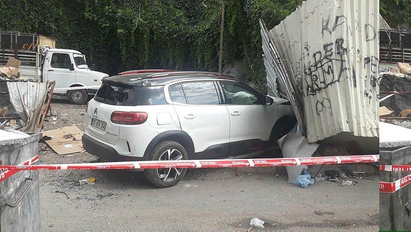 Otomobilinde seyir halindeyken silahlı saldırıdayaralandı