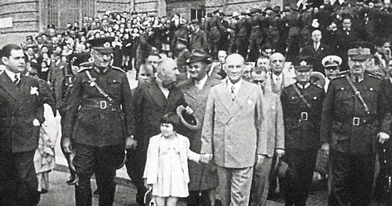 Geçmişten geleceğe büyük vizyoner Atatürk