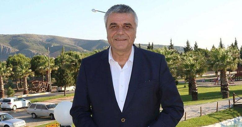 Akhisarspor'un eski başkanı Hüseyin Eryüksel direksiyon başında kalp krizi geçirerek hayatını kaybetti