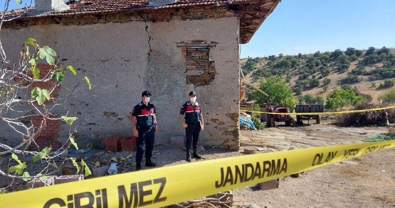 Manisa'da kan donduran olay! Eşinden ayrı yaşayan kadın, yanında kaldığı babasını öldürdü