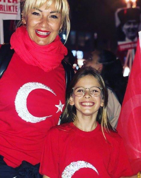 Pınar Altuğ ve kızı Su fotoğraflarıyla sosyal medyayı salladı! İşte Pınar Altuğ'un küçük kızı