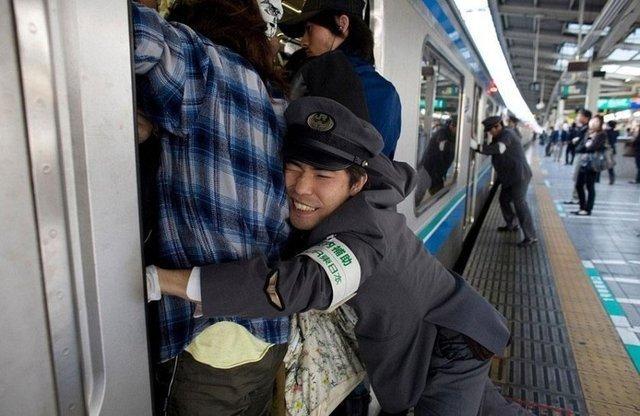 Ülkelerin iş çıkış saatlerinde toplu taşımalar nasıl?
