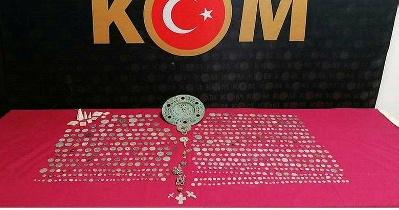 İzmir'de yüzlerce tarihi eser ele geçirildi