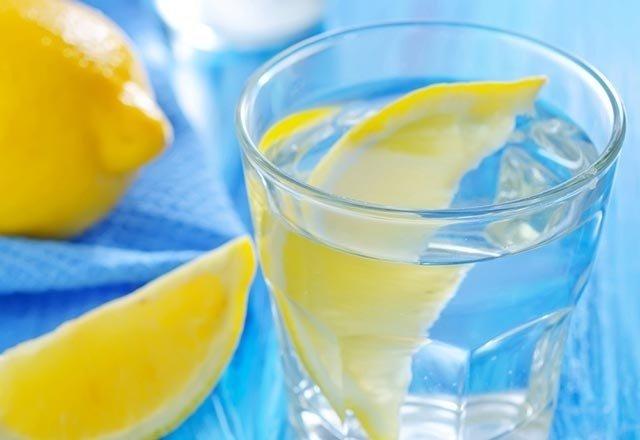 Sabahları aç karnına limonlu ılık su içerseniz…