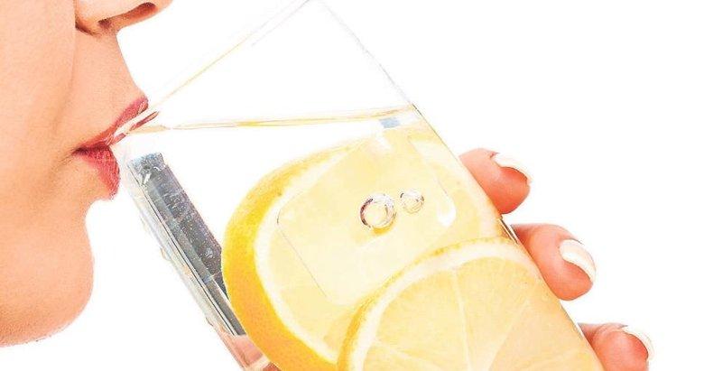Bir bardak limonlu su sağlığa büyük yatırım