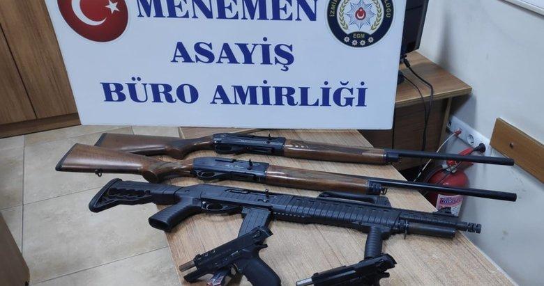 İzmir'de polisin dur ihtarına uymayan araç kaza yapınca şüpheliler yakalandı