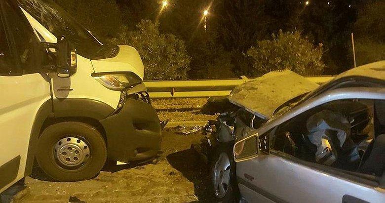 Sürücüsünün polisten kaçtığı çekici otomobille çarpıştı: 3 yaralı