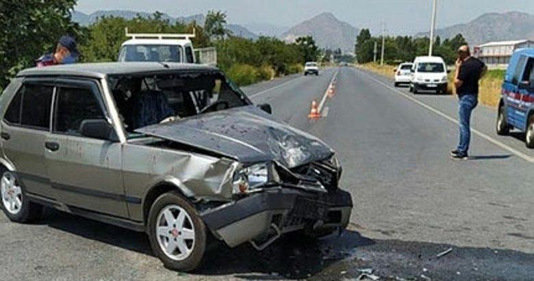 Aydın'da kamyonetle otomobil çarpıştı: 4 yaralı