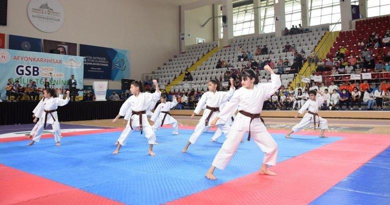 Afyonkarahisar'da ücretsiz spor okulları açıldı