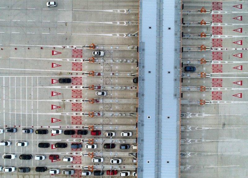 Başkan Erdoğan'ın açılışını yaptığı İstanbul İzmir otoyolu trafiği rahatlattı