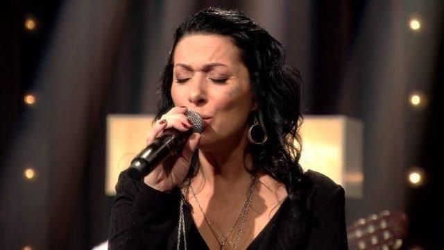 Şarkıcı Gülay'dan kötü haber! Üçüncü kez kansere yakalandı