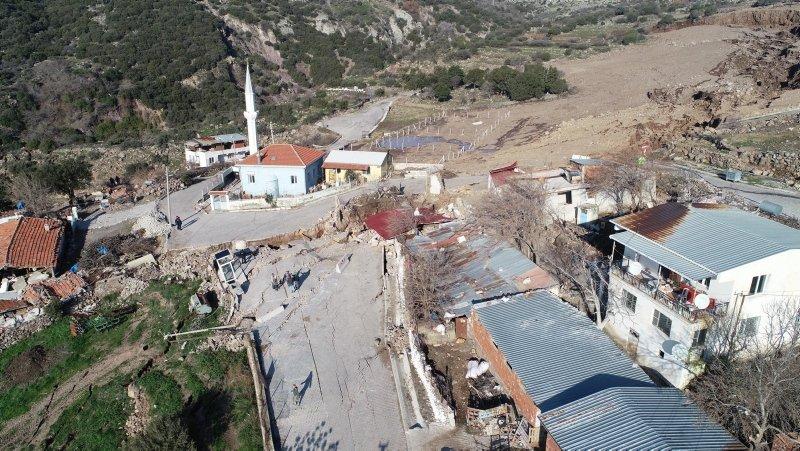 Izmir Bornova Da Heyelan Bolgesinde Tehlike Devam Ediyor Izmir Haberleri