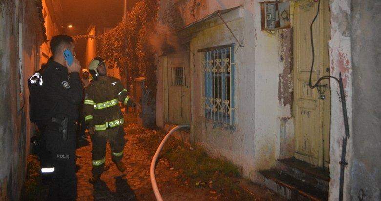 Balıkesir'de metruk evde çıkan yangın korkuttu