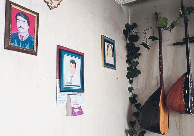 3 çocuğuyla yandı duvarda sazı kaldı