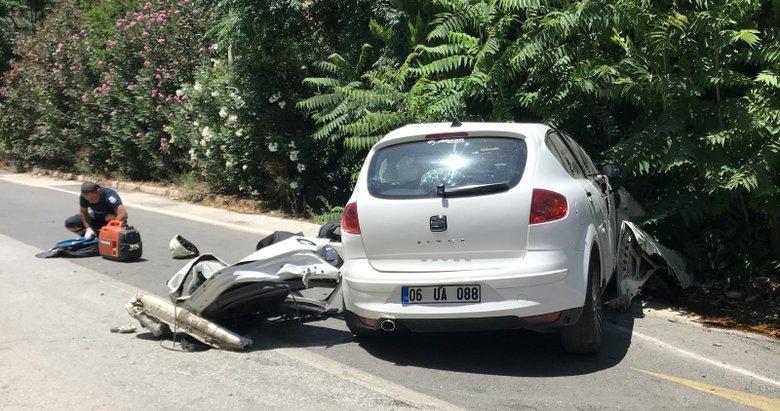 Trafik levhasına çarpan üniversite öğrencisi öldü