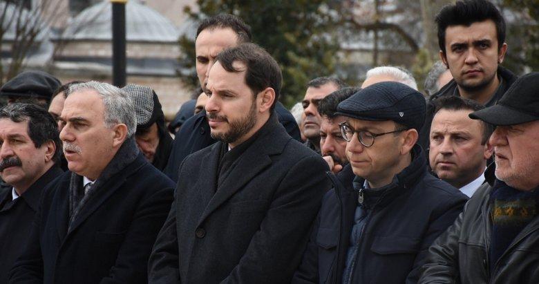 Hazine ve Maliye Bakanı Bakan Albayrak, İ.Ü. Cerrahpaşa Rektörünün annesinin cenaze törenine katıldı