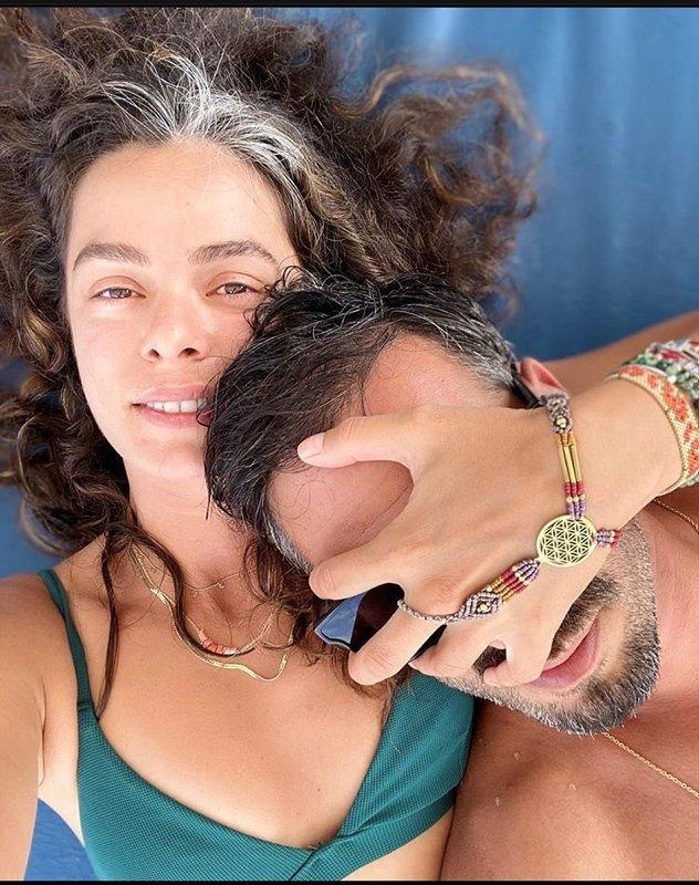 Anne olmaya gün sayan Özge Özpirinçci Burak Yamantürk'le bugün evleniyor