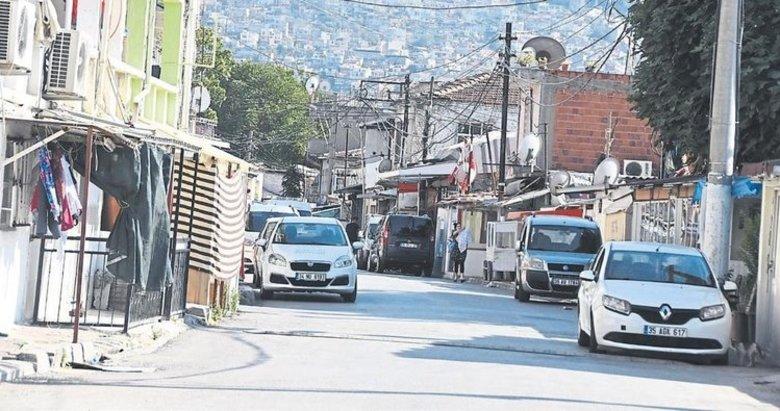 İzmir'de Ege Mahallesi bir türlü dönüşemedi