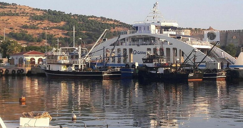 Bozcaadada yasak sahada balık avlayanlara ceza