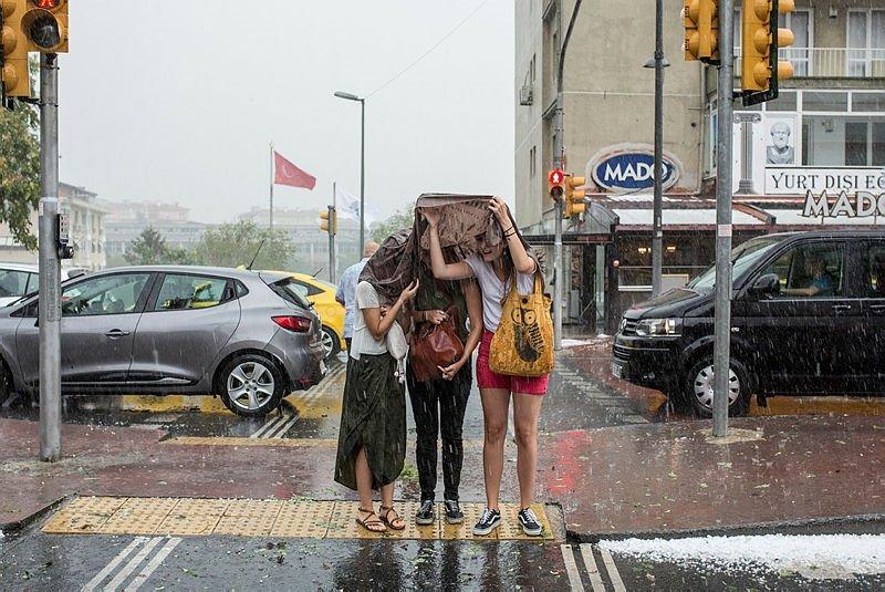 Meteoroloji'den kuvvetli yağış uyarısı! İzmir'de bugün hava nasıl olacak? 9 Aralık 2018 hava durumu