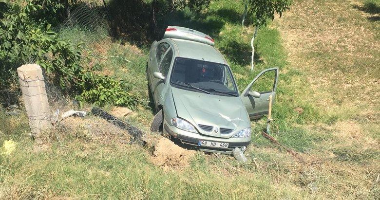 Mıcır kaplı yolda kontrolden çıkan otomobil şarampole düştü