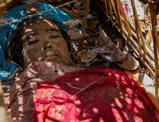 Bu ülkede ölüler gömülmüyor! Ürpertici fotoğraflar +18