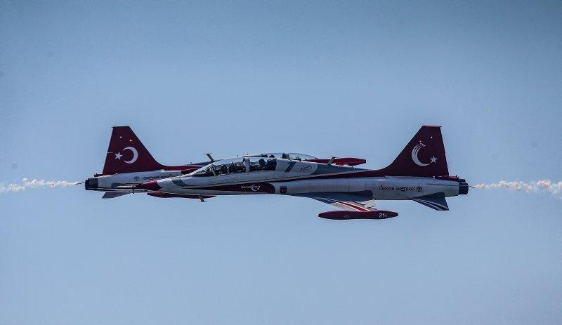 Türk Yıldızları Çanakkale'de nefesleri kesti