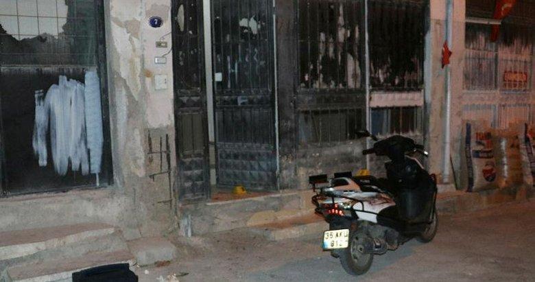 Gece yarısı ev basıp, 2 kişiyi bıçakla yaraladı