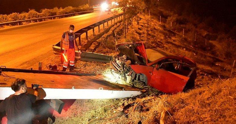 İzmir'de feci olay! Lastiği patlayan otomobil 50 metrelik şarampole uçtu