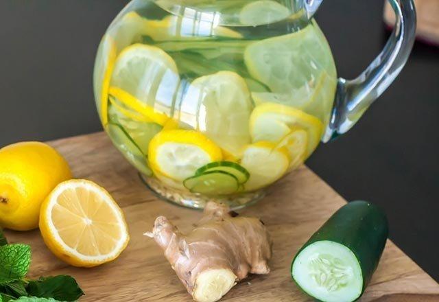 Limonlu suyun faydaları nelerdir? Eğer 1 ay boyunca limonlu su içerseniz...